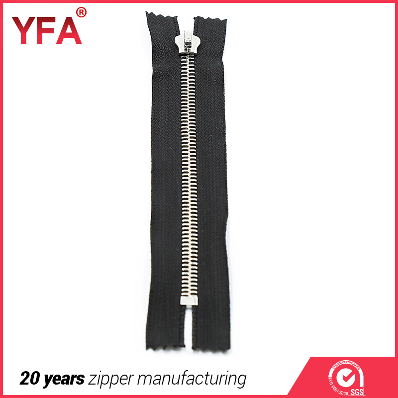 Close end metal zipper